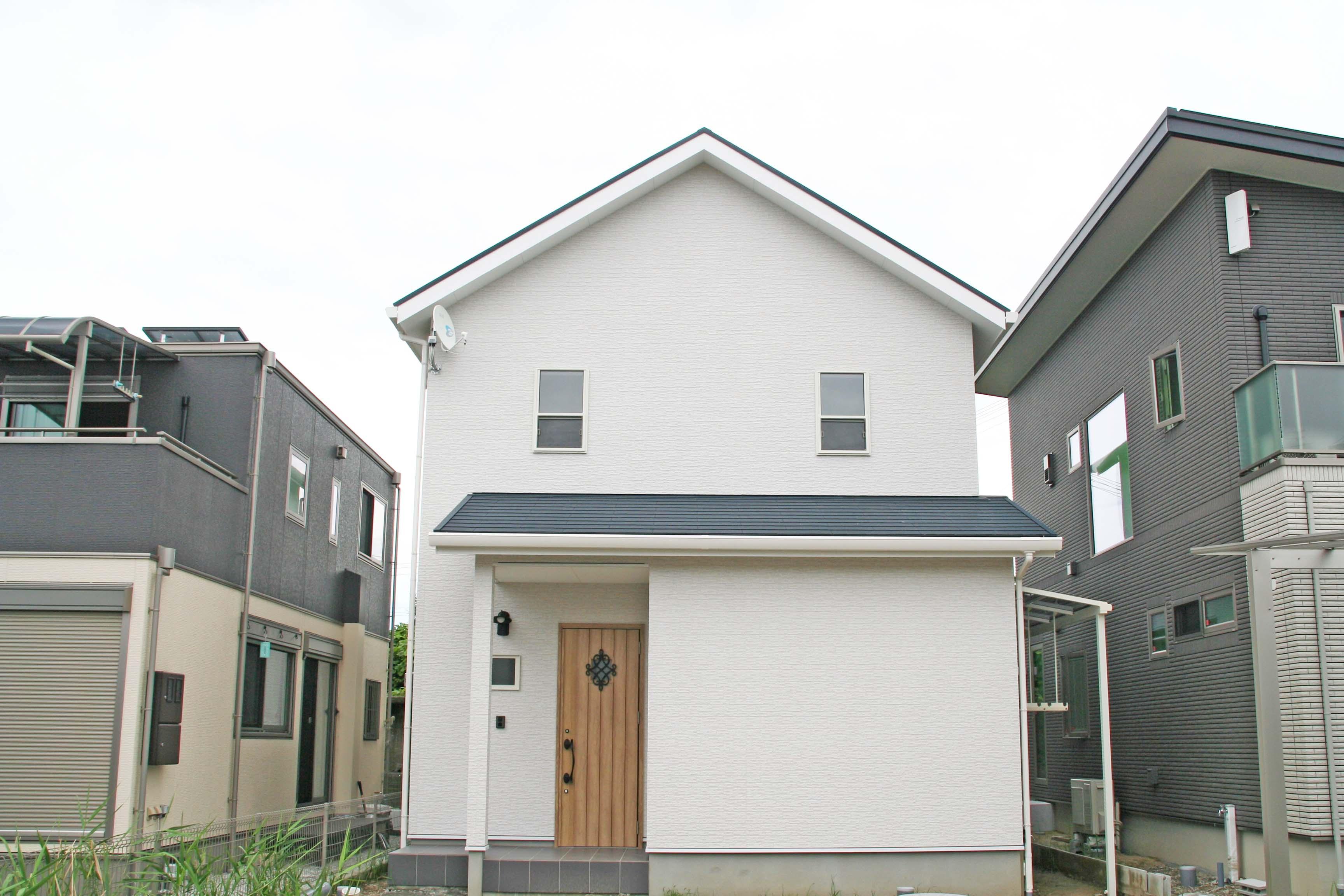 堺市K様邸の画像。近代的な四角い家。